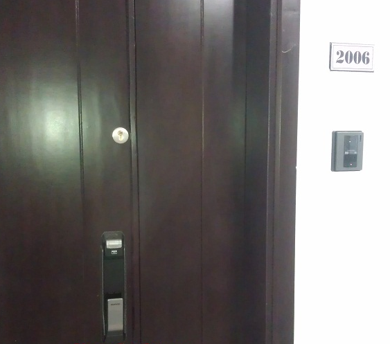 Lắp đặt khóa điện tử Samsung P718 tại chung cư Tây Hà