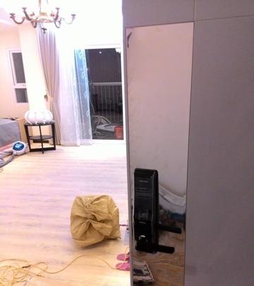 Lắp đặt khóa vân tay Samsung H705 tại chung cư Golden place hà nội